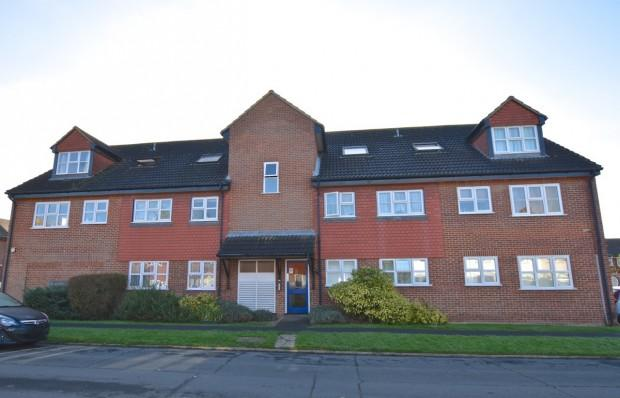 1 Bedroom Apartment Flat for sale in St. James Court, Ashtead, KT21