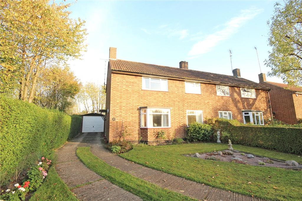 3 Bedrooms Semi Detached House for sale in Lea Green, Mill Green, Hatfield, Hertfordshire