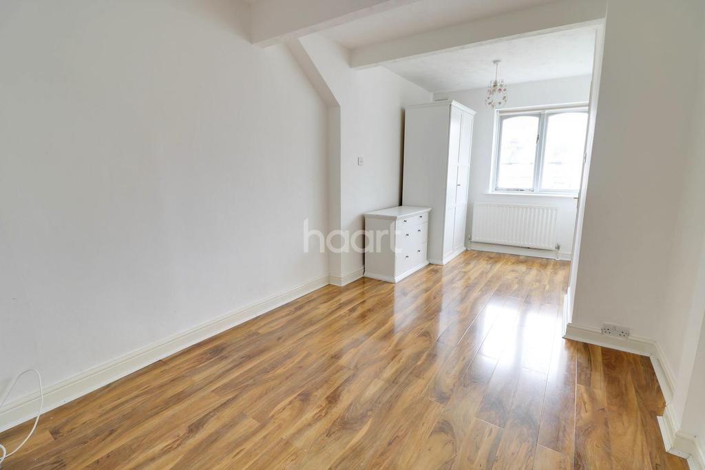 3 Bedrooms Terraced House for sale in Main Avenue, Enfield, EN1