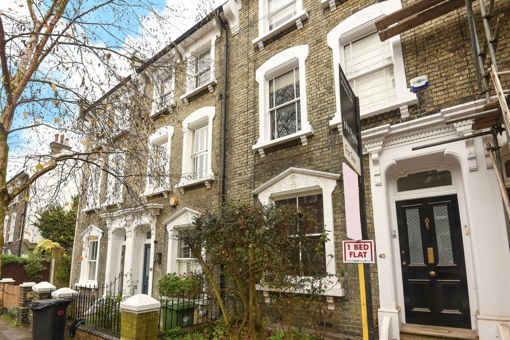 1 Bedroom Flat for sale in Quentin Road Lewisham SE13