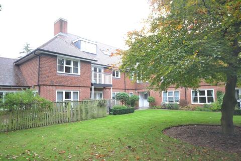 2 bedroom apartment for sale - Emmer Green