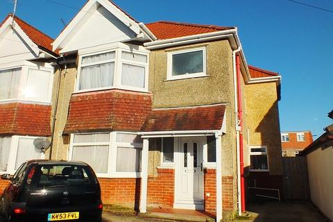4 bedroom semi-detached house to rent - Highfield