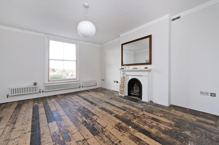 2 Bedrooms Flat for sale in Sinclair Road, Brook Green W14