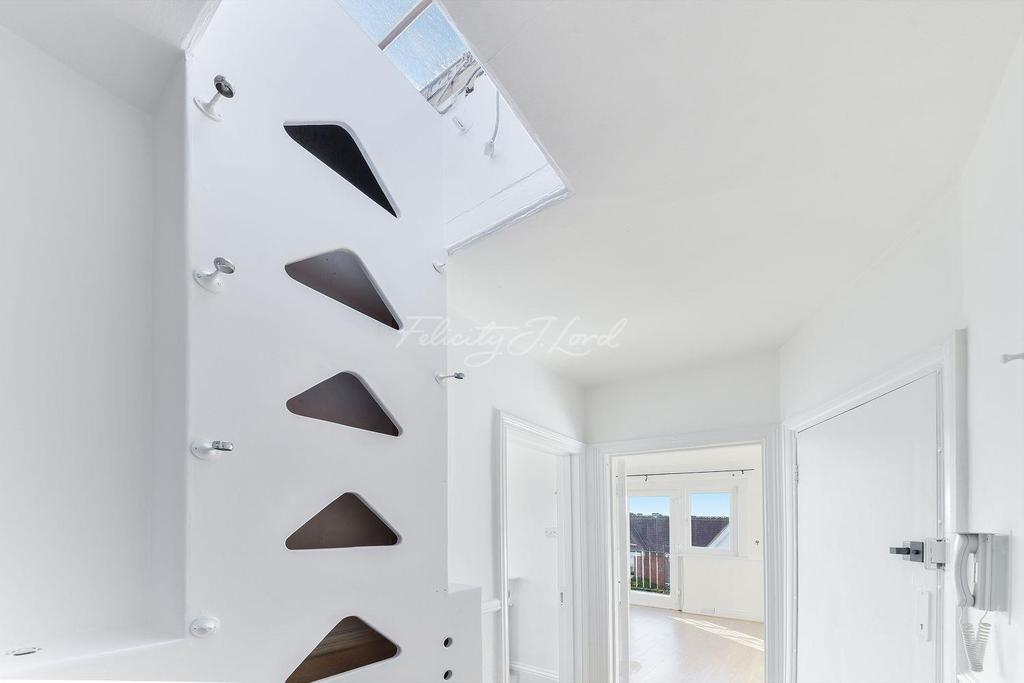 2 Bedrooms Flat for sale in Baldwyn Gardens, Acton W3