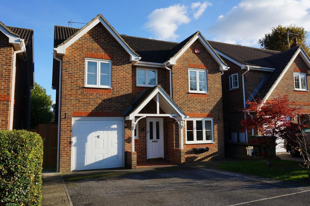 4 Bedrooms Detached House for sale in FUNTLEY