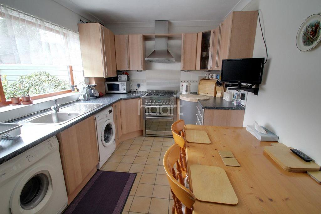 3 Bedrooms Semi Detached House for sale in Dogsthorpe, Peterborough