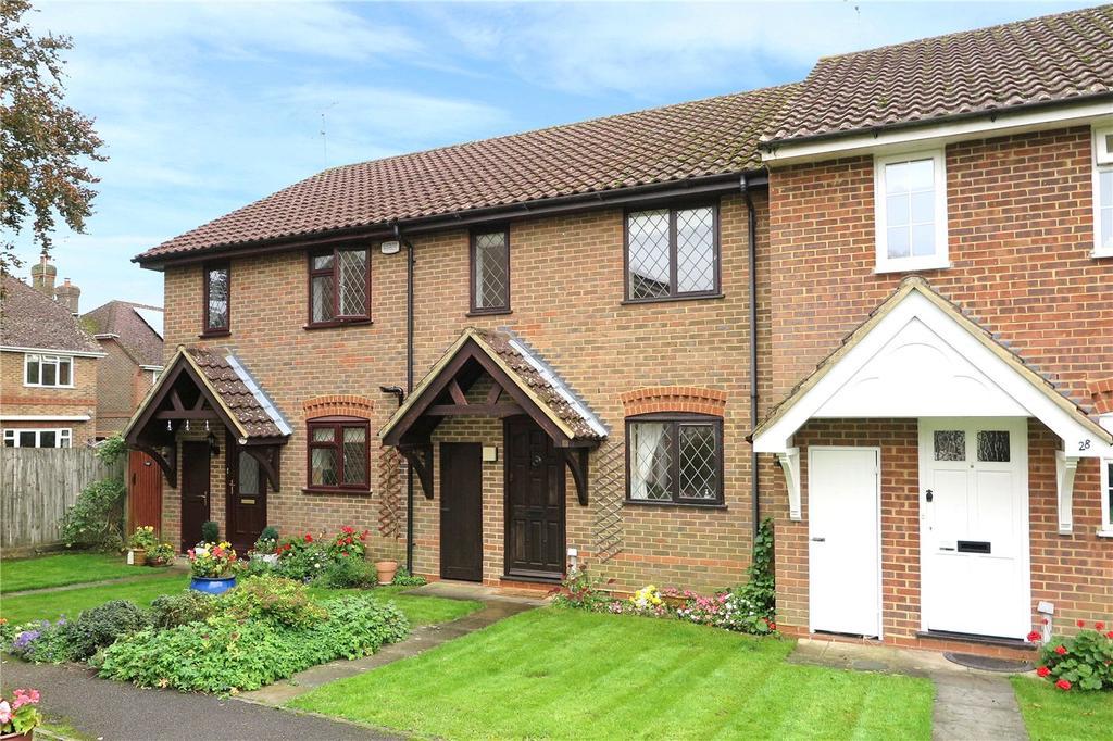 3 Bedrooms Terraced House for sale in Bonners Field, Bentley, Farnham, GU10