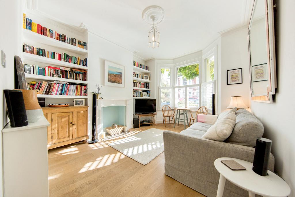 2 Bedrooms Flat for sale in Purves Road, NW10