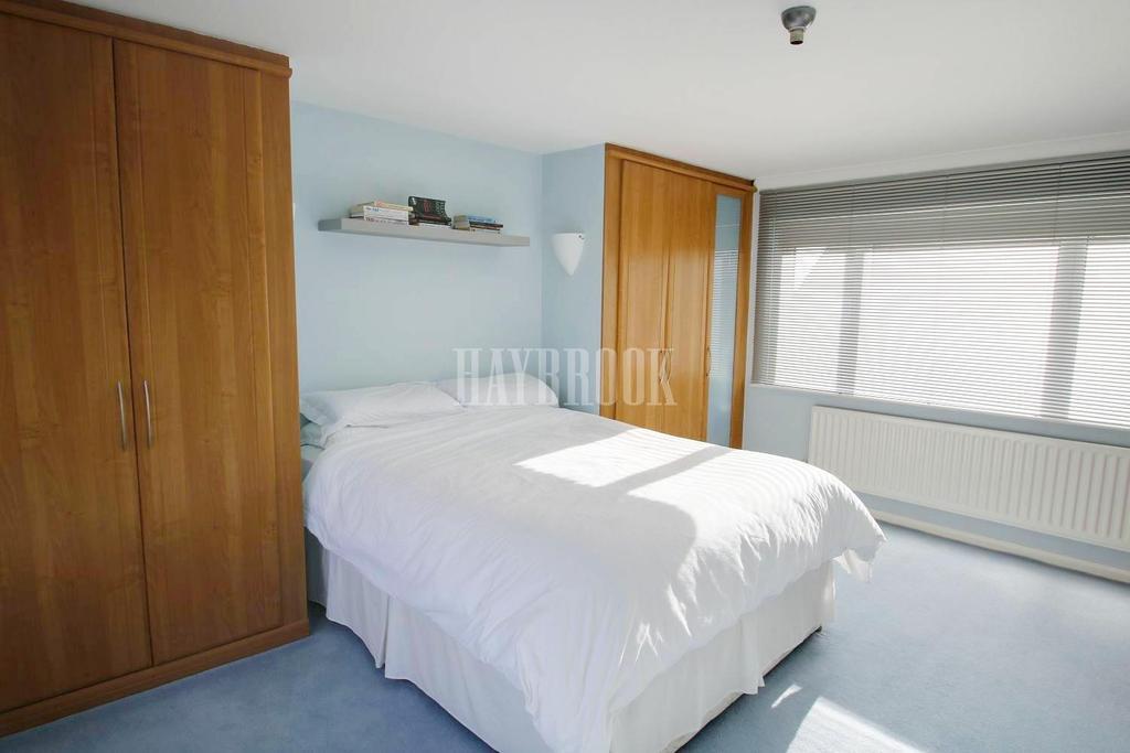 3 Bedrooms Detached House for sale in Edmonton Close, Pogmoor