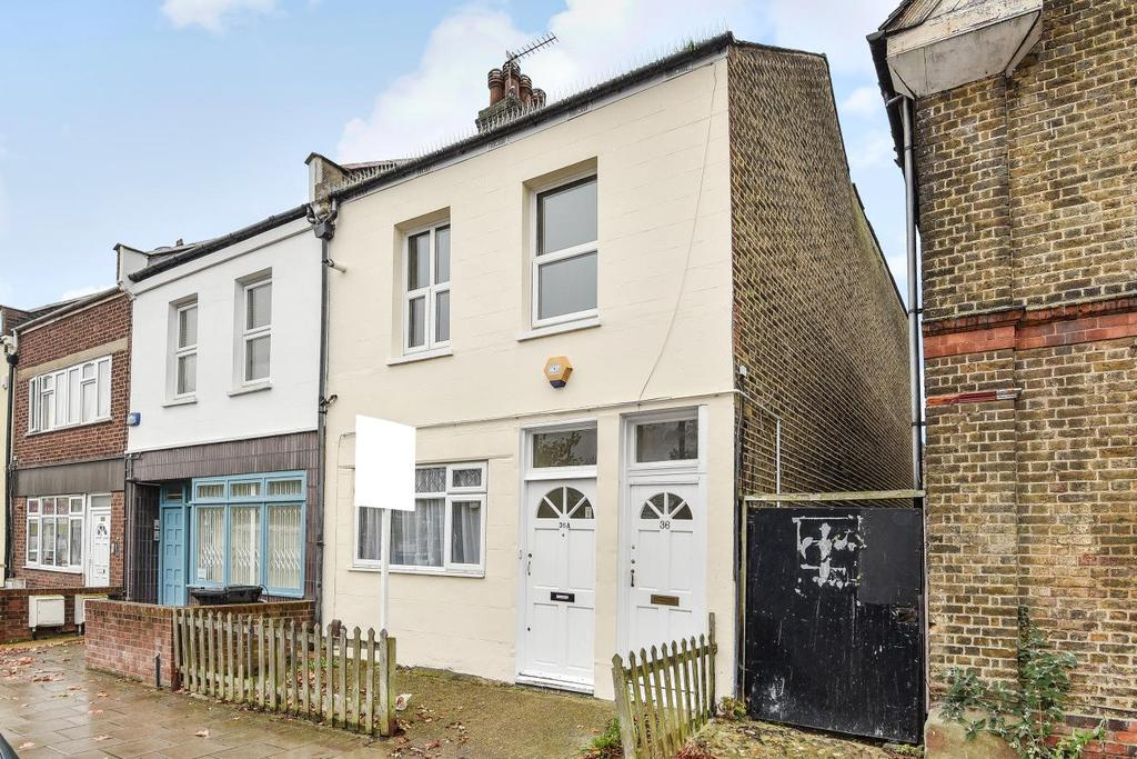 2 Bedrooms Maisonette Flat for sale in Station Road, Penge