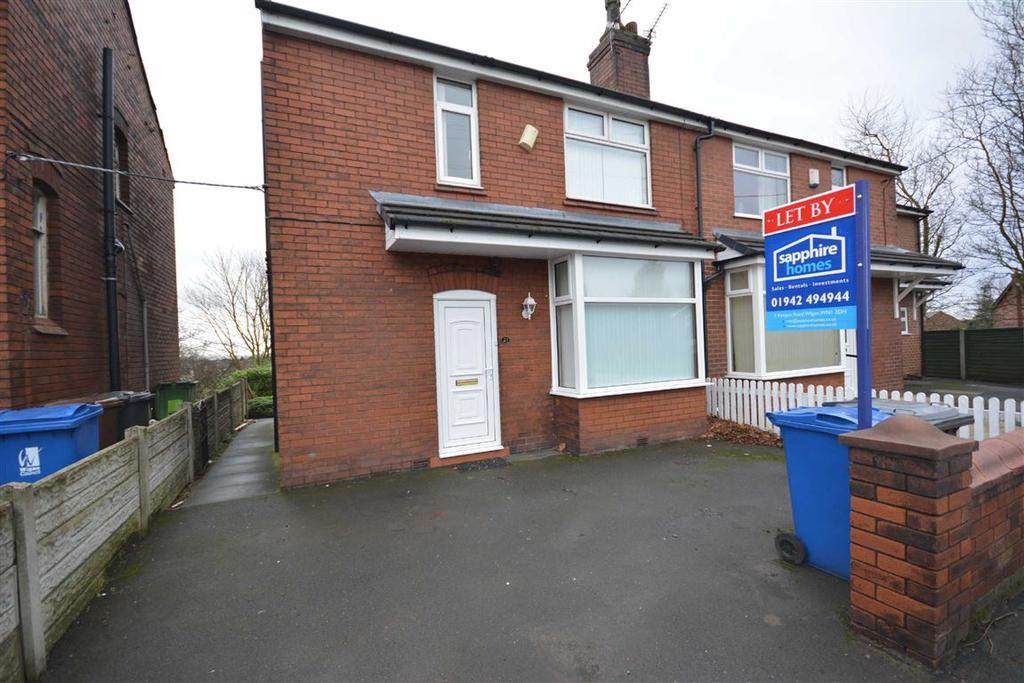 3 Bedrooms Semi Detached House for sale in Cale Lane, Aspull, Wigan, WN2