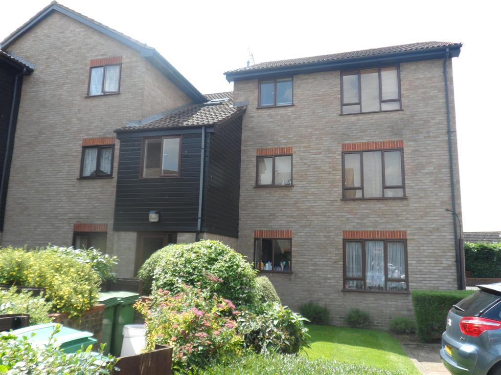 1 Bedroom Flat for sale in Mitcham CR4, Mitcham, London CR4 cr4 CR4