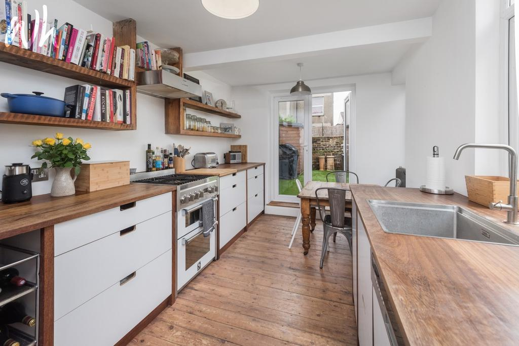 3 Bedrooms End Of Terrace House for sale in Linton Road, Hove BN3