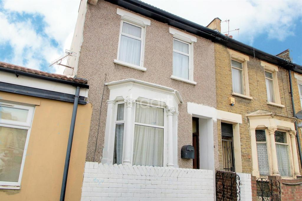 2 Bedrooms End Of Terrace House for sale in Maiden Road, London, E15
