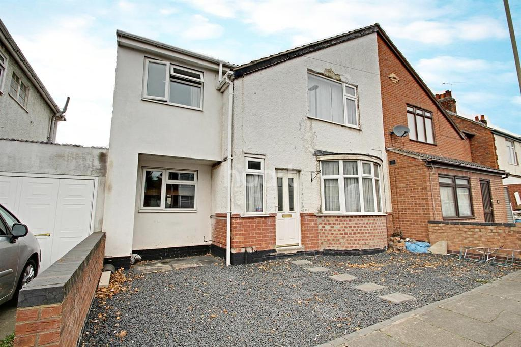 4 Bedrooms Semi Detached House for sale in Essex Road, Leicester