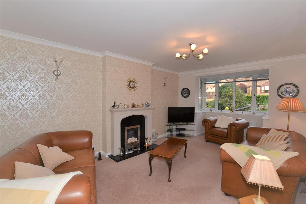 4 Bedrooms Detached House for sale in Seafields, Seaburn, Sunderland