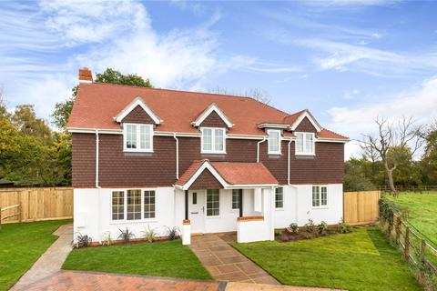 4 bedroom detached house for sale - The Paddocks, Vines Lane, Hildenborough, Kent, TN11
