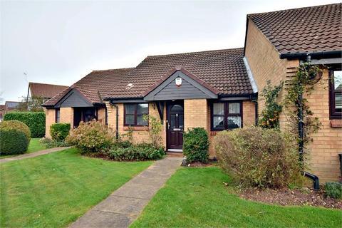 2 bedroom terraced bungalow for sale - De Havilland Way, ABBOTS LANGLEY, Hertfordshire