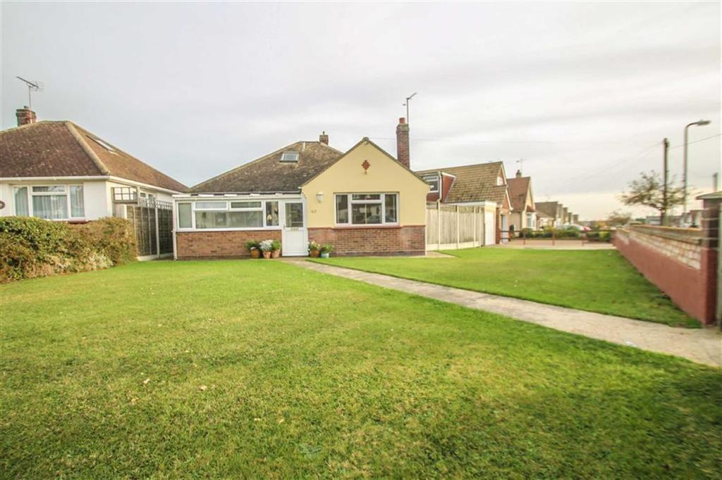 2 Bedrooms Detached Bungalow for sale in Park Square East, Clacton-on-Sea