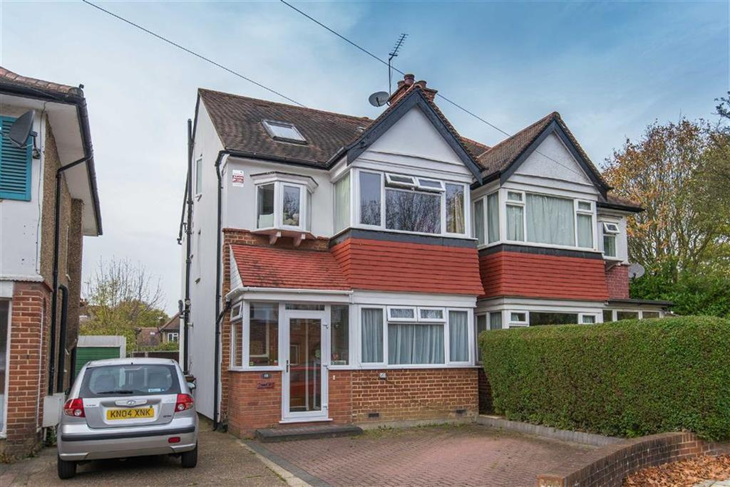 5 Bedrooms Semi Detached House for sale in Newlyn Gardens, Rayners Lane, Middlesex