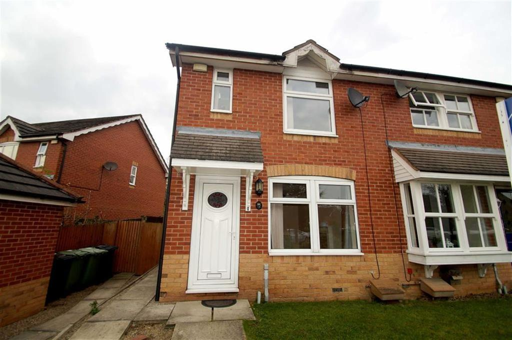 2 Bedrooms Town House for sale in Elm Tree Close, Leeds