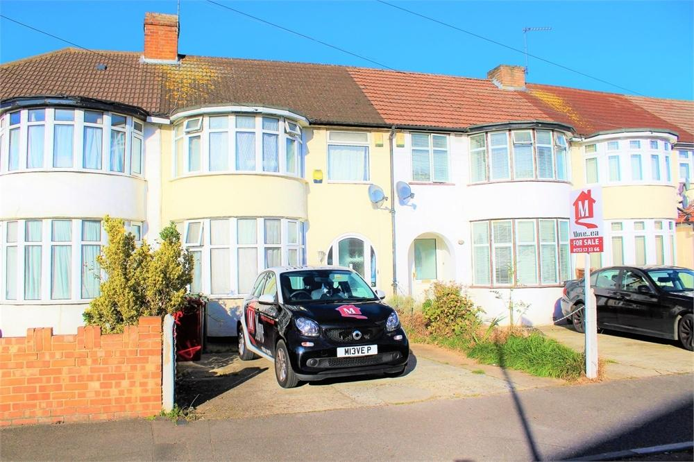 3 Bedrooms Terraced House for sale in Hampshire Avenue, Slough, Berks