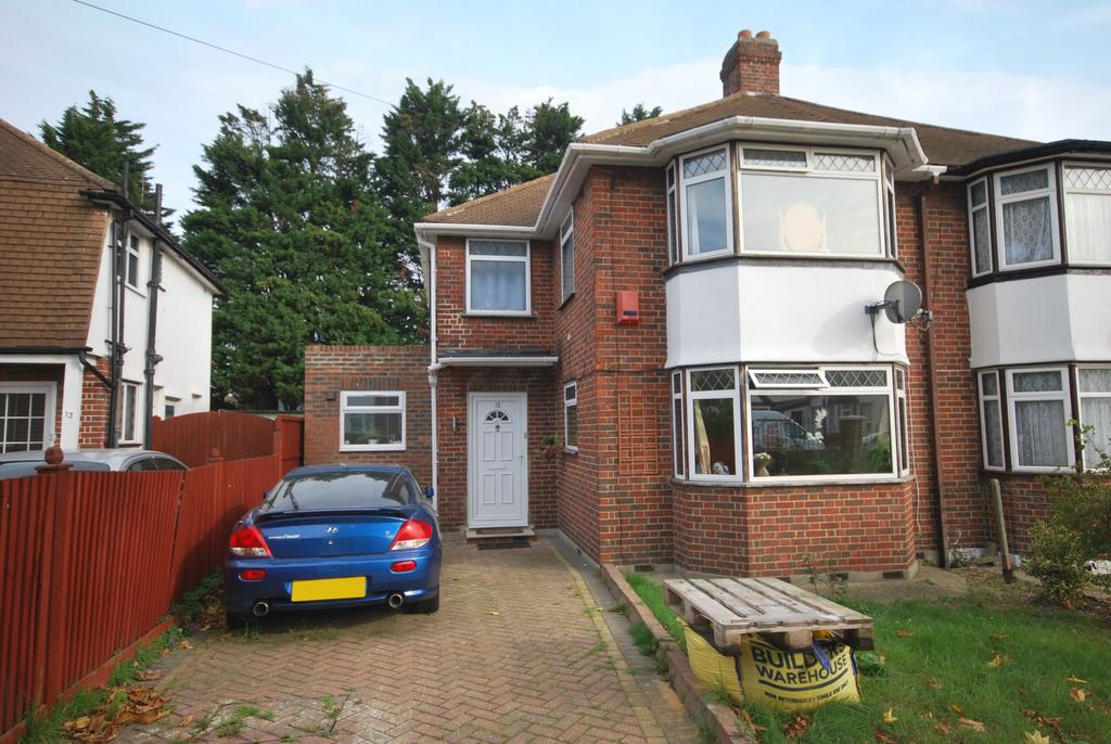 4 Bedrooms Semi Detached House for sale in Waterbank Road London SE6