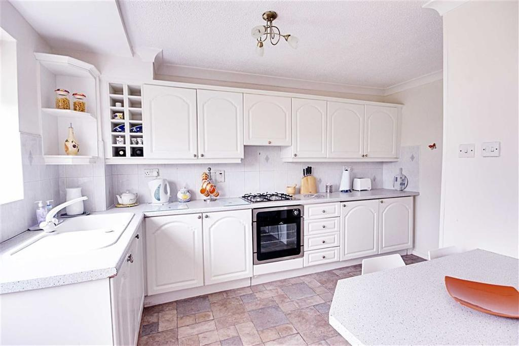 2 Bedrooms Terraced House for sale in St Nicholas View, West Boldon, Tyne Wear