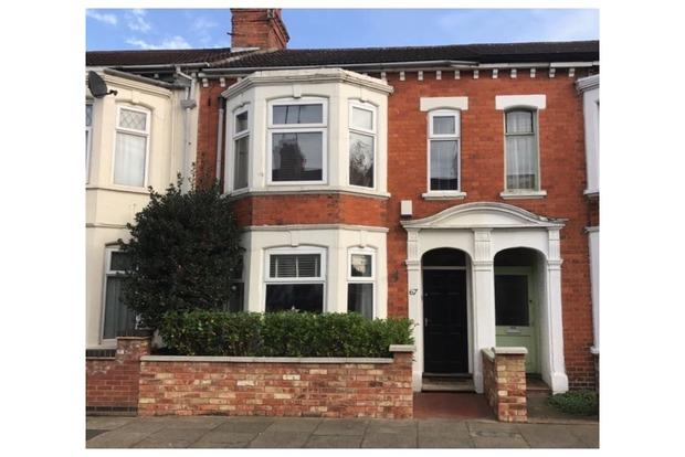 3 Bedrooms Terraced House for sale in St James Park Road, Northampton, NN5