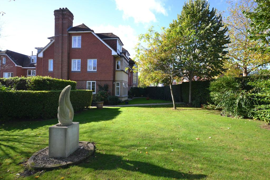 2 Bedrooms Apartment Flat for sale in Tenterden, TN30