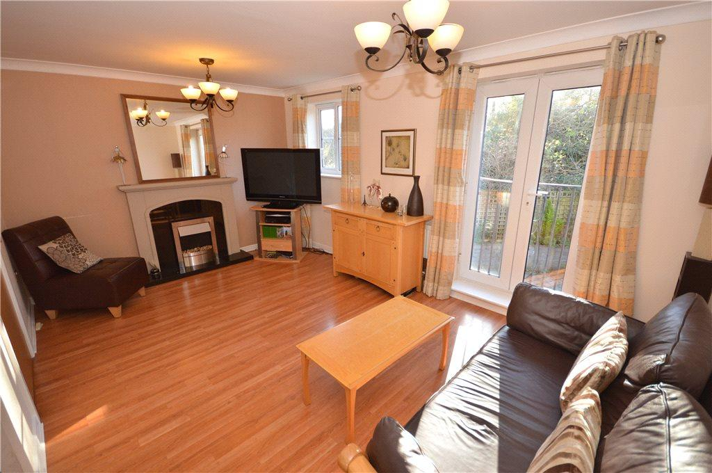 4 Bedrooms Terraced House for sale in Aldersyde Road, Guiseley, Leeds