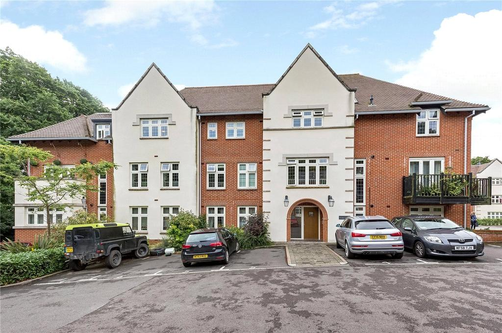 1 Bedroom Flat for sale in Kings Lodge, Highcroft Road, Winchester, Hampshire, SO22