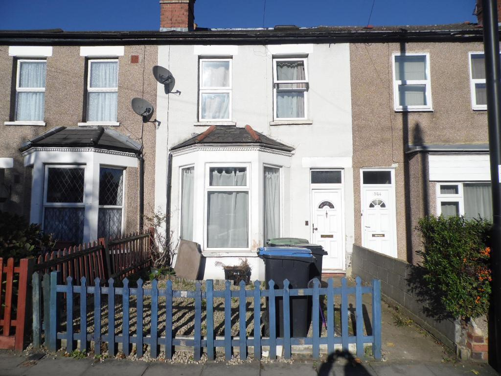 3 Bedrooms Terraced House for sale in Lincoln Road, Enfield, EN3 4AB