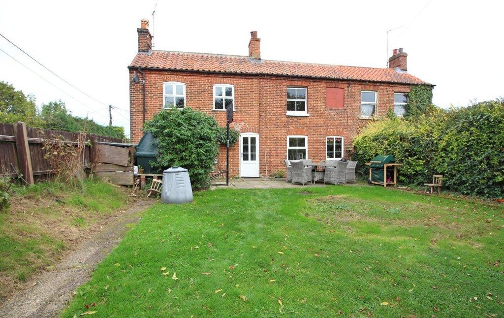 3 Bedrooms Semi Detached House for sale in Spa Common