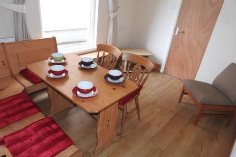 4 bedroom house to rent - Argyle Street, Sandfields, Swansea