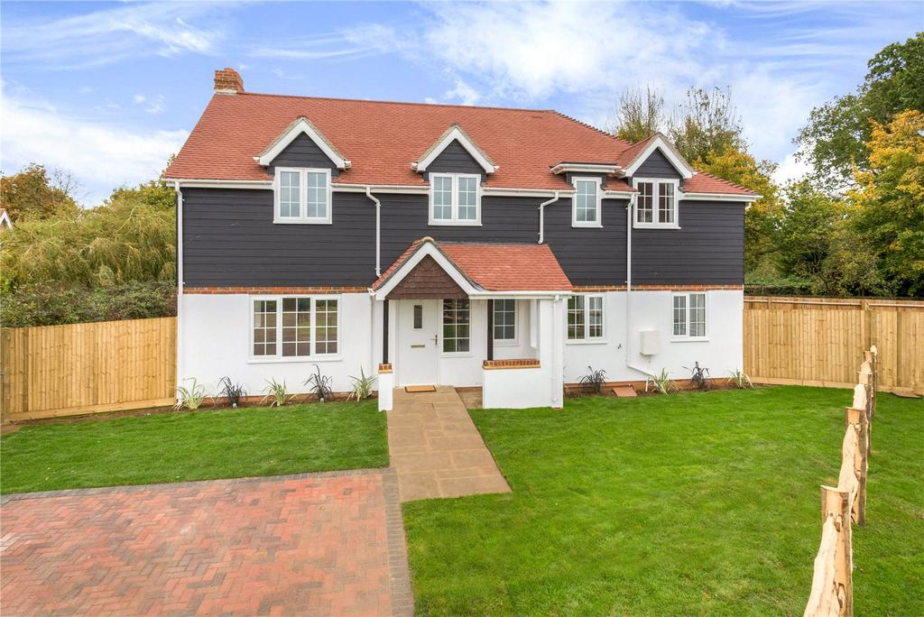 4 Bedrooms Detached House for sale in Orchard House, Vines Lane, Hildenborough, Kent, TN11