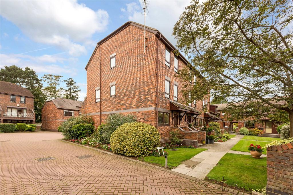 4 Bedrooms End Of Terrace House for sale in Rivermead Court, Marlow Bridge Lane, Marlow, Buckinghamshire, SL7