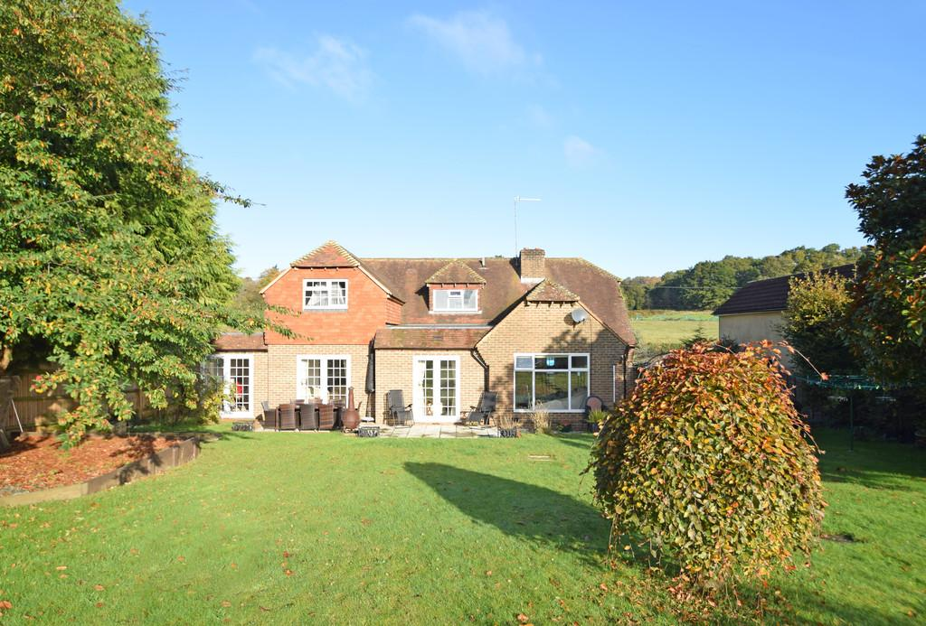 4 Bedrooms Detached House for sale in Down Lane, Compton, Guildford GU3 1DN