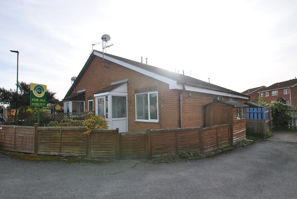 1 Bedroom Semi Detached Bungalow for sale in Homestead Garth, Hatfield, Doncaster
