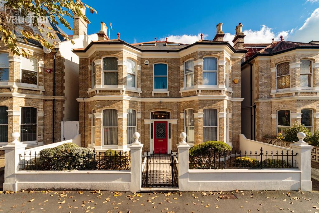 6 Bedrooms Detached House for sale in Sackville Road, Hove, BN3