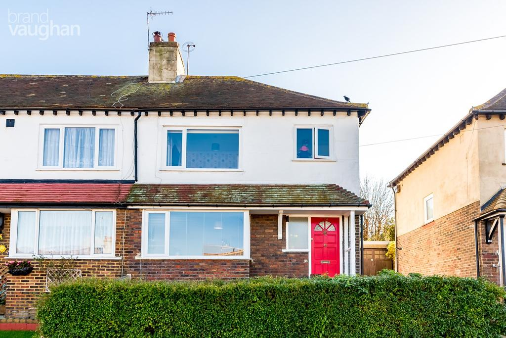 3 Bedrooms Semi Detached House for sale in Bevendean Crescent, Brighton, BN2