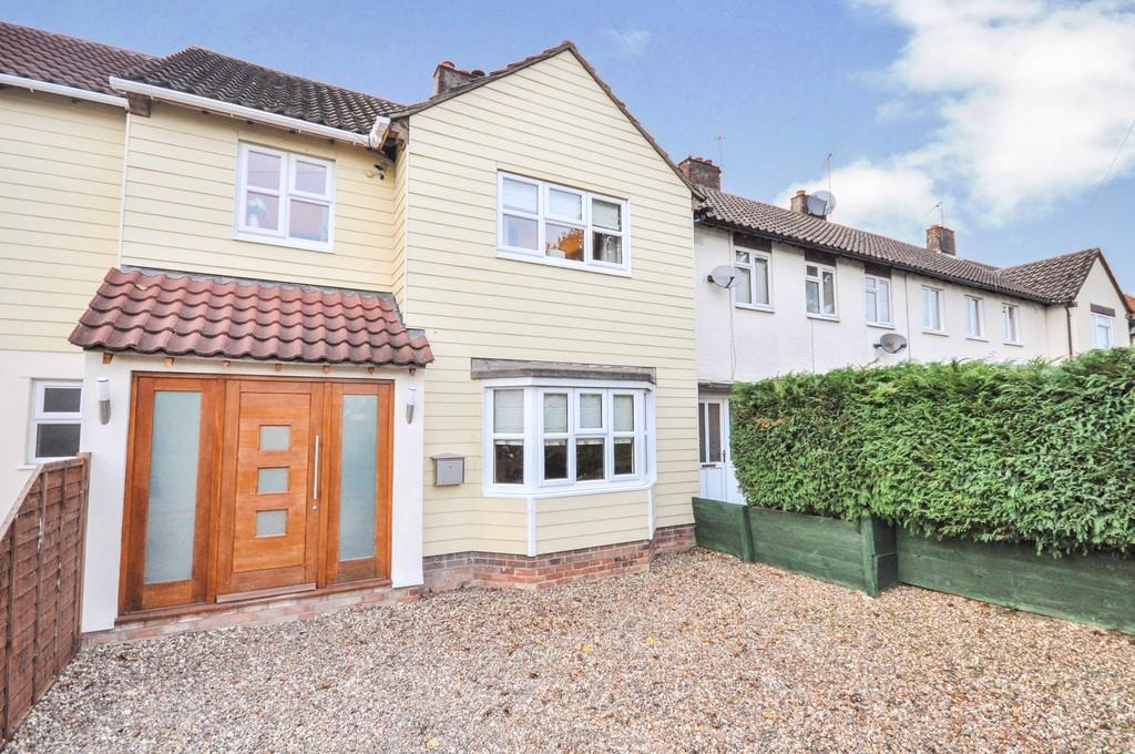 3 Bedrooms Terraced House for sale in John Kent Avenue, Colchester, CO2 9HE