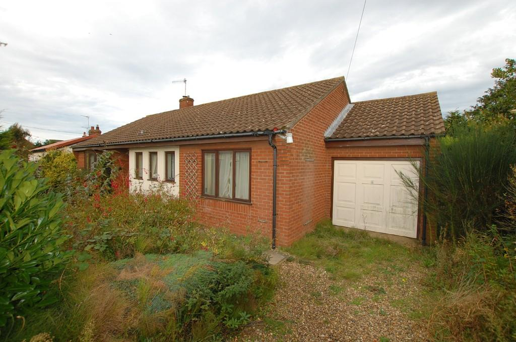 3 Bedrooms Detached Bungalow for sale in Stevens Road, Cromer