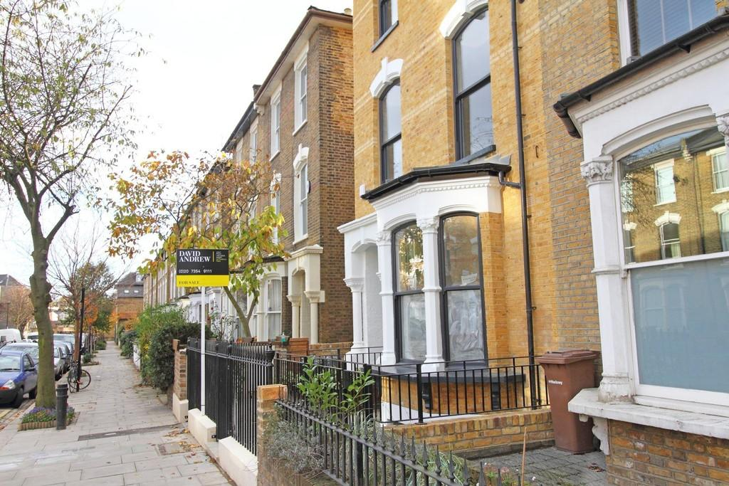 3 Bedrooms Apartment Flat for sale in Wilberforce Road, N4 2SU