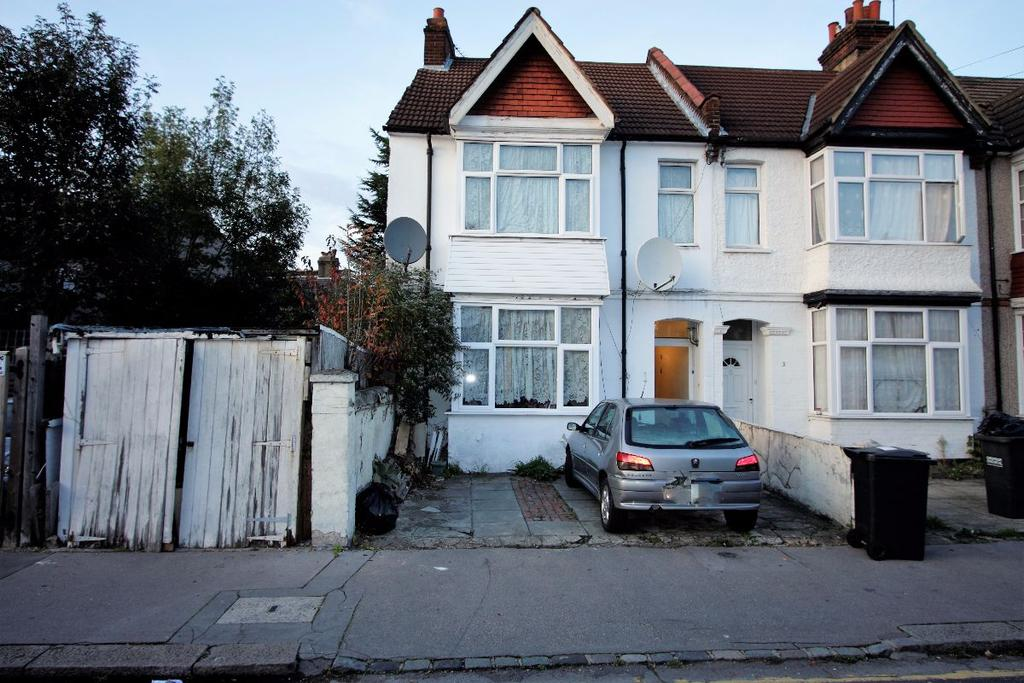3 Bedrooms Terraced House for sale in Constance Road, Croydon, CR0 2RS