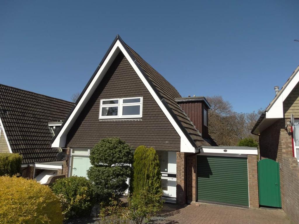 3 Bedrooms Detached House for sale in 12 Ffordd Uchaf, UPPER Colwyn Bay, LL28 5YB