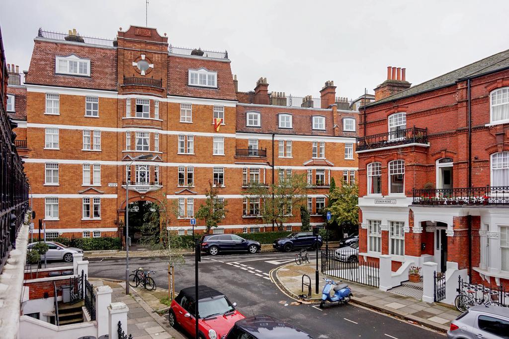 2 Bedrooms Flat for sale in Avonmore Gardens, West Kensington, London