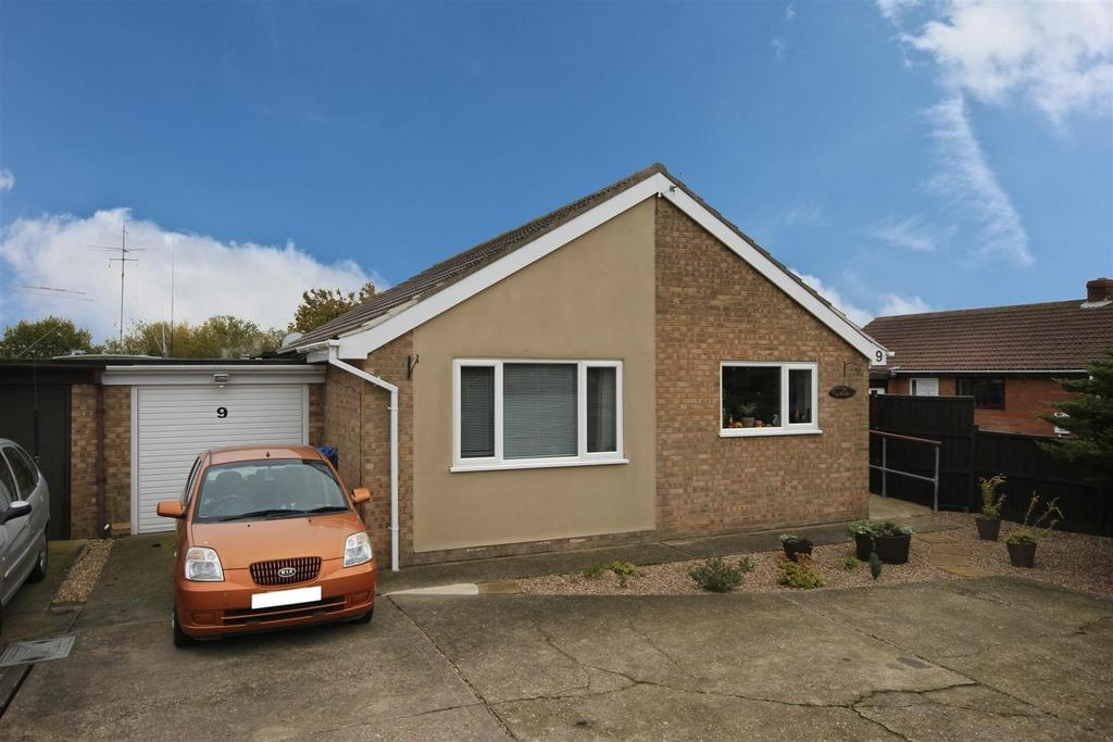 2 Bedrooms Detached Bungalow for sale in 9 Kent Avenue, Theddlethorpe, Mablethorpe