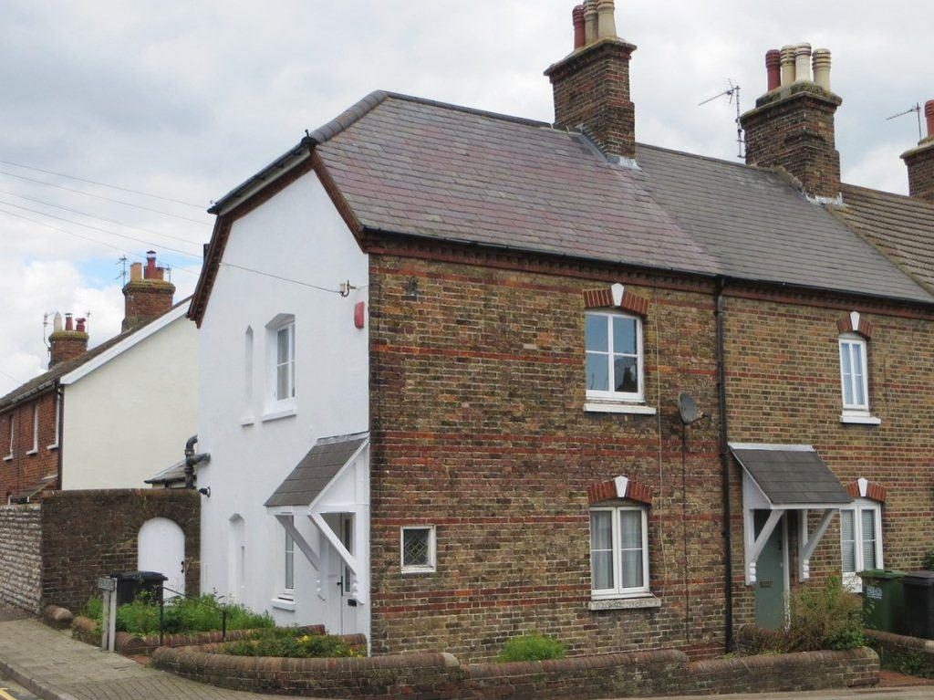 2 Bedrooms House for rent in Church Street