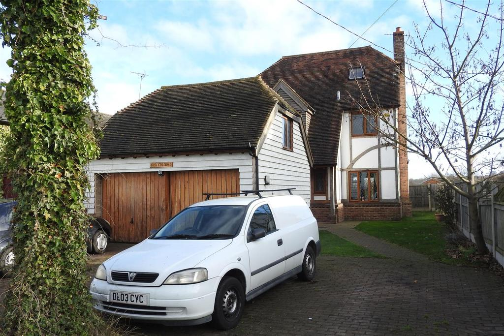 5 Bedrooms Detached House for sale in Steeple, Essex